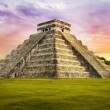 Pyramid Kukulkan temple. Chichen Itza. Mexico. Maya civilization — Stock Photo #36233061