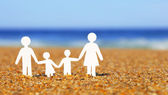 Paper Family on the beach. Family Concept — Stock Photo