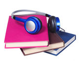 Audiobook concept. Headphones and books isolated — Stock fotografie
