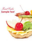 Cake with fruit close-up — Stock Photo