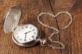 Vintage pocket watch met ketting — Stockfoto