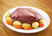 Traditional corned beef dinner — Stock Photo