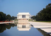 Lincoln Memorial and Reflecting pool in D.C. — Stock Photo