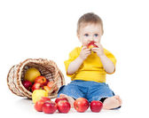 Kid eating healthy food apple — Stock Photo