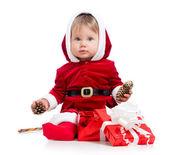 Jultomten flicka med presentask isolerad på vit bakgrund — Stockfoto