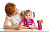 Mother and daughter draw together — Foto de Stock