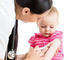 Doctor injecting baby isolated — Stock Photo