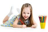 Barn flicka ritar med pennor — Stockfoto