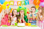 Kids celebrate birthday party  — Стоковое фото