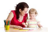 Matka i jej dziecko dziewczynka ołówek razem — Zdjęcie stockowe