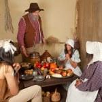 Thanksgiving pilgrim family — Stock Photo