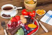 Antioxidant drinks and food — Stock Photo