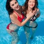 amigos de piscina — Foto de Stock