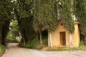 Forest chapel in TuscanyForest chapel in Tuscany — Stock fotografie