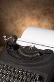 老式打字机与信 — 图库照片