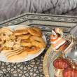 Moroccan tea tray and ramadan cookies — Stock Photo