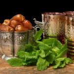Ramadan Iftar dates and tea — Stock Photo
