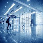 Passagerare på flygplatsen — Stockfoto