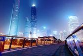 Cidades de arranha-céus de noite — Foto Stock