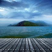 海のそばのプラットフォーム — ストック写真