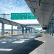 Shanghai Pudong Airport road — Stockfoto