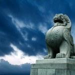 Geleneksel Çince taş aslan — Stockfoto