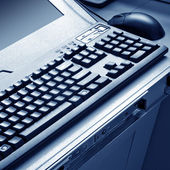 Computer mouse and keyboard — Stock Photo