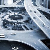 Traffic: crossing high ways — 图库照片