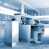 The service of airport terminals — Stock Photo