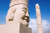 Kamenné sochy ve městě — Stock fotografie