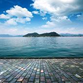 Platform beside sea — Stock Photo