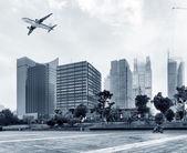 Aircraft on the Shanghai sky — Stock Photo