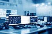 Moderne anlage-kontrollraum — Stockfoto