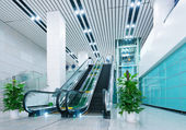 Hall and escalators — Stock Photo