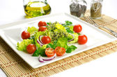 Healthy food to lose weight: fresh salad — Stock Photo