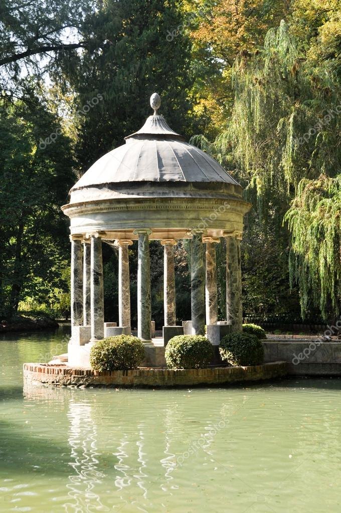 Chinescos pond, Prince&#039;s garden, Aranjuez (Madrid)  Stock Photo #14167884