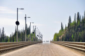 Bridge over Yukon river, Dalton Highway, Alaska — Stok fotoğraf