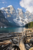 Moraine Lake, Rocky Mountains (Canada) — Stock Photo