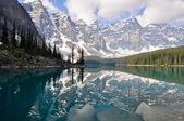 Moraine Lake, Rocky Mountains (Canada) — Foto Stock