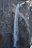 Waterval in de nervion rivier bron, ten noorden van spanje — Stockfoto