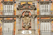 Spanish Coat of Arms at Plaza Mayor in Madrid, Spain — Stock Photo