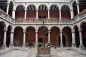 Cortile in collegi reali, tortosa (spagna) — Foto Stock