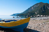 Fishing boat at Cirali beach, Turkish Riviera — Stock Photo