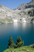 Estany Gran dAmitges, Aiguestortes and Sant Maurici NP, Pyrenees — Stock Photo