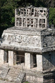 Temple of the Sun at the Mayan ruins of Palenque in Mexico — Stock Photo
