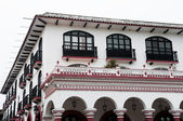 Colonial architecture in San Cristobal de las Casas (Mexico) — Stock Photo