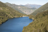 Lake Sant Maurici, national park of Aiguestortes and lake Sant Maurici, Pyrenees (Spain) — Stock Photo