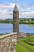 Round tower of Devenish Island Monastic Site, Northern Ireland — Stock Photo