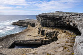 The Worm Hole, natural pool in Inishmore, Aran islands, Ireland — Stock Photo