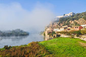 Morning fog in Miravet, Mediterranean town, Tarragona (Spain) — Stock Photo